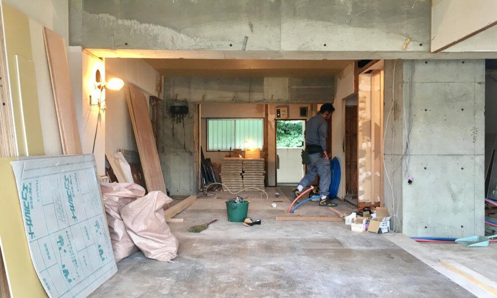 「 stri-ep house flat 葉山エコーハイツ 」のフルリノベーション進行中。
